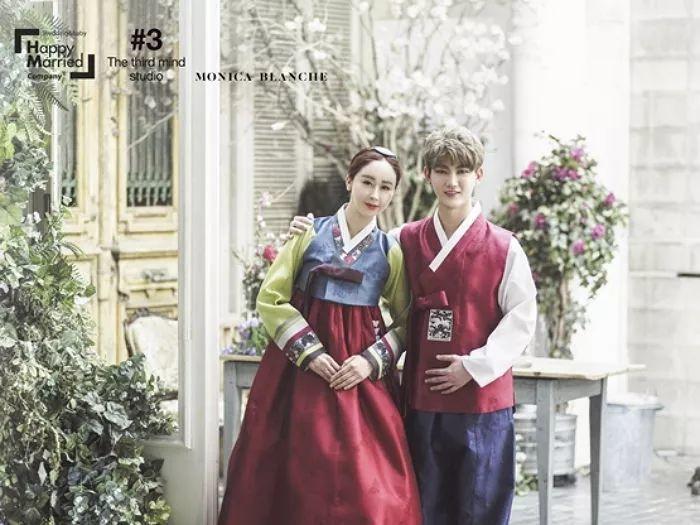 又一对中韩夫妇,咸素媛陈华婚纱照公开 两人相差18岁