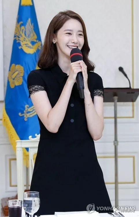 允儿等高额捐赠者受韩国第一夫人邀请 做客青瓦台共进午餐