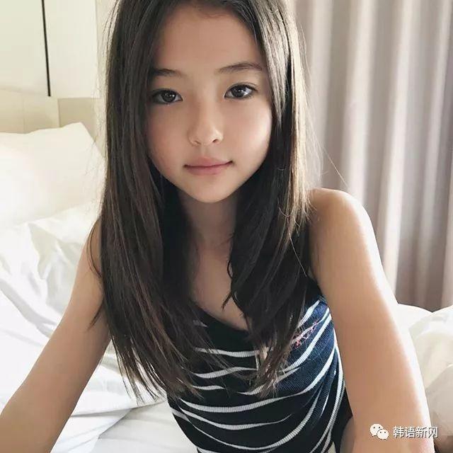 10岁网红小萝莉签约YG旗下 混血五官精致可爱