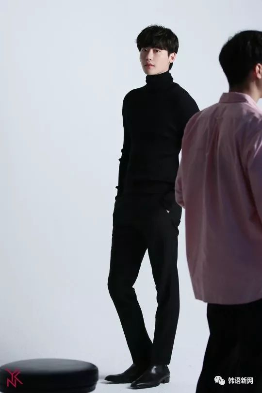 李钟硕公开新写真 4月签约新经纪公司