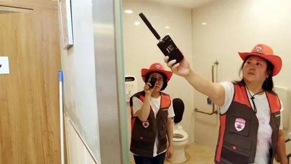 """为遏制偷拍女性 首尔拟增派八千""""摄像头探员"""""""