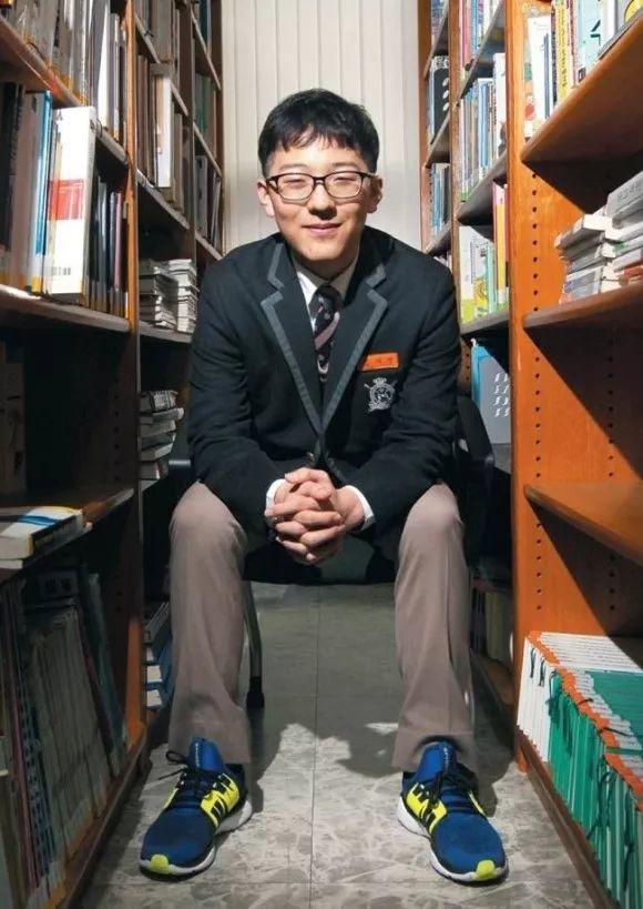 韩国18岁少年高考获满分 曾患白血病3年