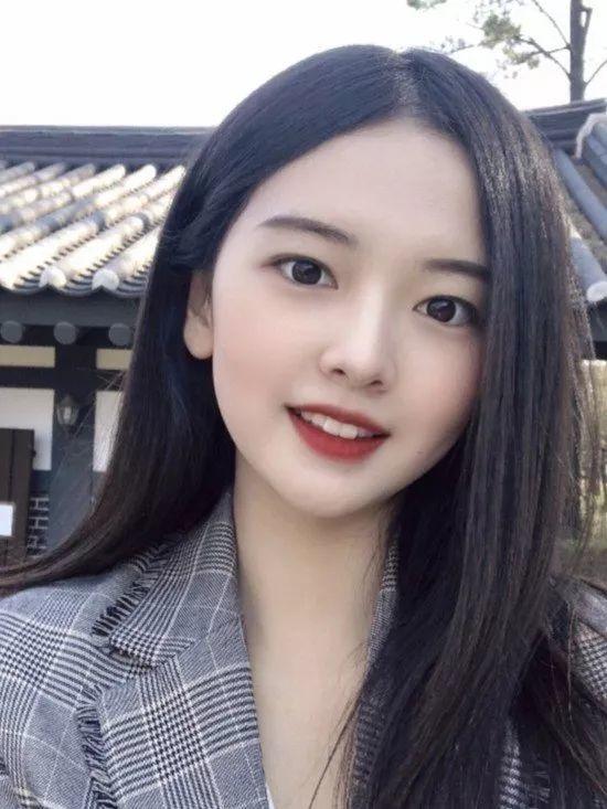 """韩国""""春香小姐""""选美 21岁大学生最终夺冠"""