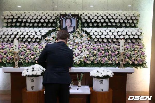 警方宣布不对具荷拉进行尸检:没有他杀嫌疑